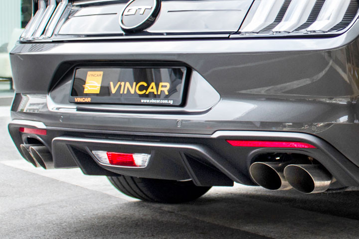 Feature Spotlight: Quad Chrome Exhaust Pipes with Active Valve Performance Exhaust