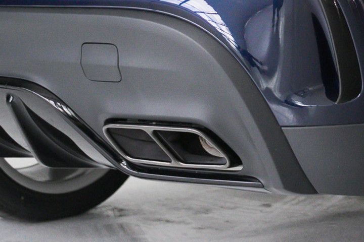 Feature Spotlight: Twin -pipe Exhaust System With Chrome Trim