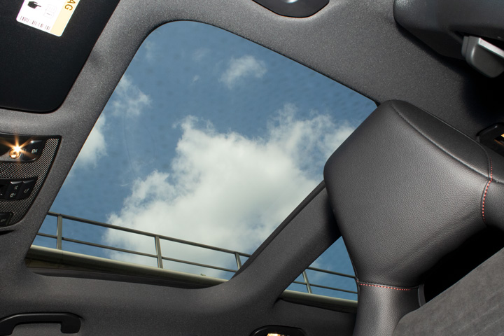 Feature Spotlight: Panoramic glass sunroof