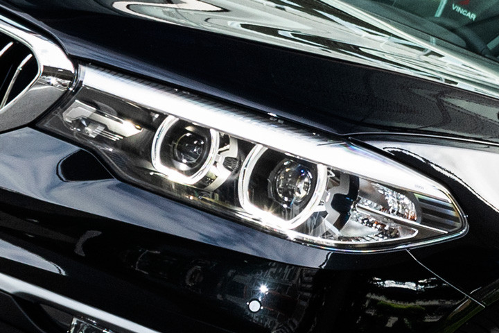Feature Spotlight: Adaptive LED Headlights