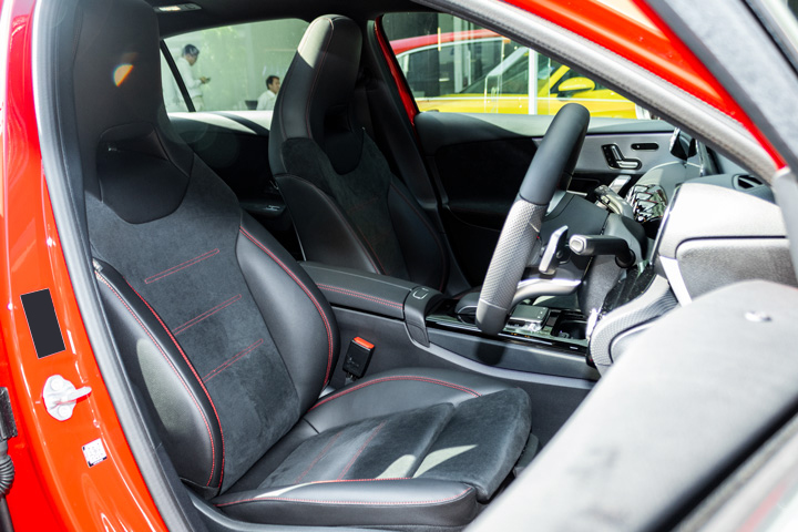 Feature Spotlight: Front Sports Seats With Memory