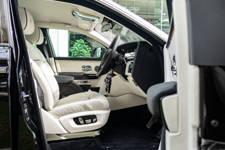 Feature Spotlight: Immersive Individual Rear Seats With Seats Massage