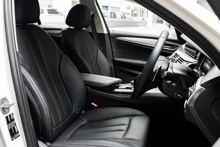 Feature Spotlight: Front Seats Electrically Adjustable With adjustable Lumbar Support And Driver Memory