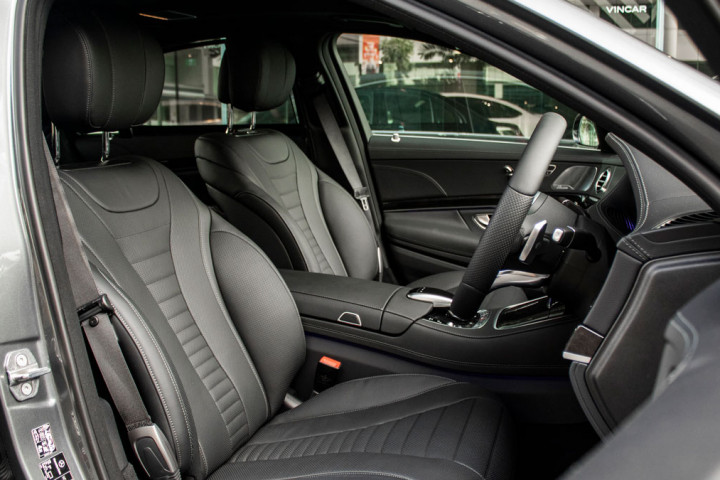Feature Spotlight: Sports Front Seats Electrically Adjustable With Memory