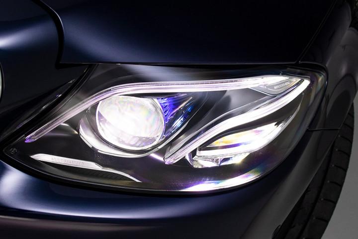 Feature Spotlight: MULTIBEAM intelligent headlamps with Adaptive Highbeam Assist