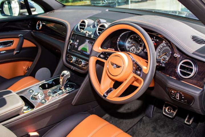 Feature Spotlight: Single-Tone, 3-Spoke, Hide Trimmed Steering Wheel