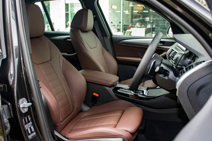 Feature Spotlight: Front Sport Seats In Vernasca Leather