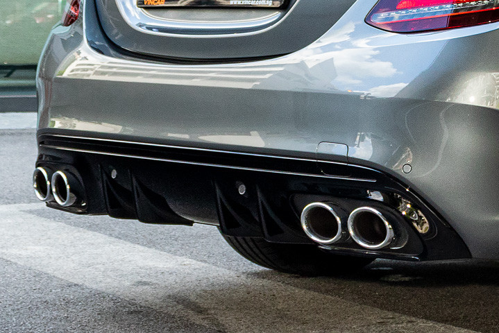 Feature Spotlight: AMG Sports Exhaust System Quad Tailpipe With Chrome-Plated Tip