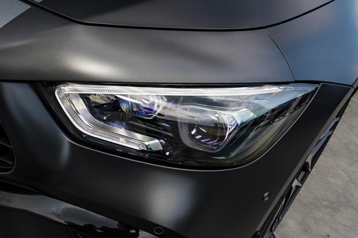 Feature Spotlight: MULTIBEAM LED headlights with Adaptive Highbeam Assist Plus