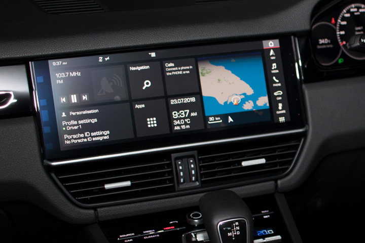 Feature Spotlight: Porsche Communication Management With 12.3