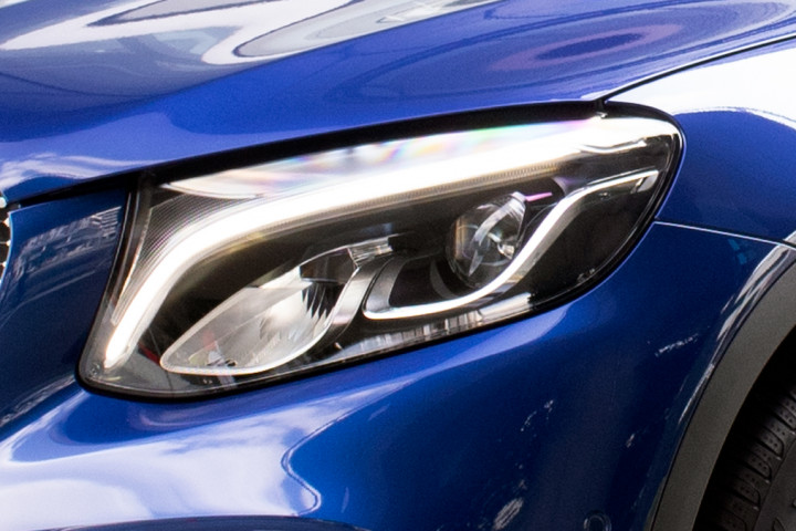 Feature Spotlight: LED High Performance Headlamps With Integral LED Daytime Running Lights
