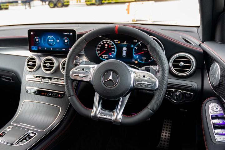 Feature Spotlight: Multifunction sports steering wheel in black nappa leather