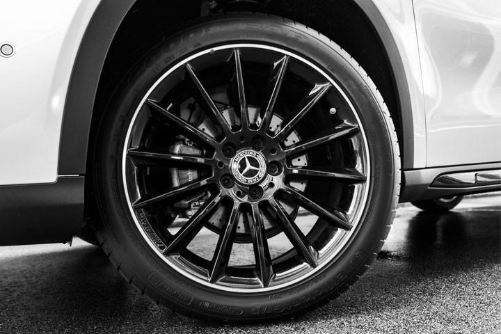 Feature Spotlight: 19? AMG Alloy wheels - 5-spoke design
