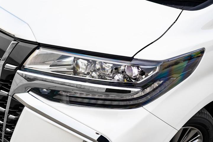 Feature Spotlight: 3-eyes LED
