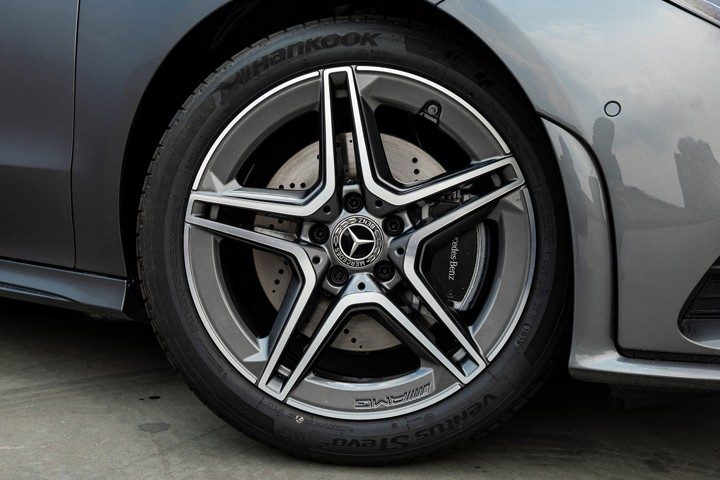 "Feature Spotlight: 18"" AMG alloy wheels"