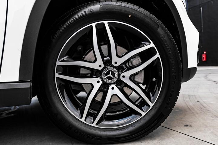 """Feature Spotlight: 18"""" Alloy wheels - 5 twin-spoke design"""