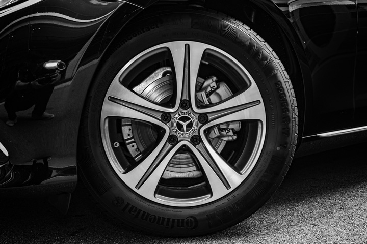 "Feature Spotlight: 17"" 5-spoke alloy wheels"
