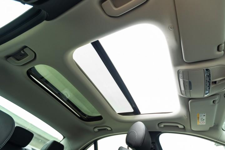 Feature Spotlight: Panoramic glass sunroof