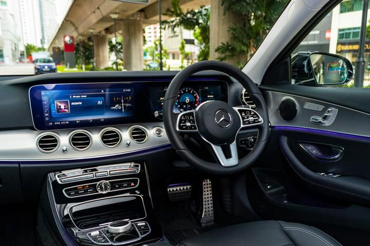 Feature Spotlight: Widescreen Cockpit