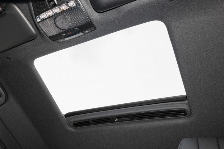 Feature Spotlight: Electric sunroof