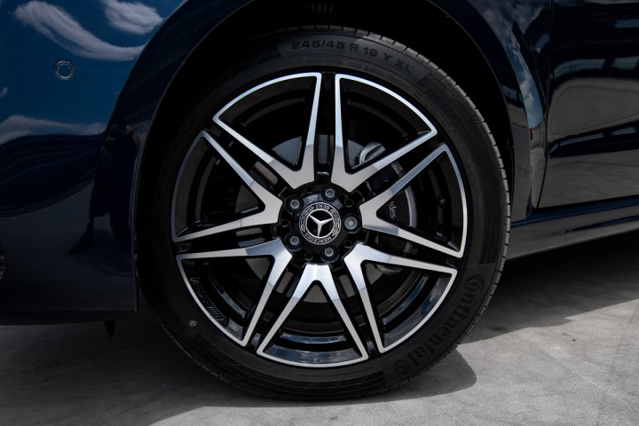"Feature Spotlight: 19"" AMG alloy wheels – 7-twin-spoke design"