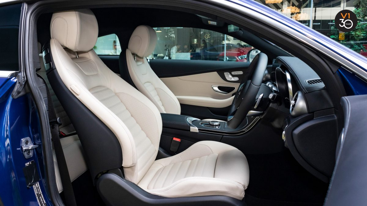 2018 C200 Coupe AMG - Driver Seat