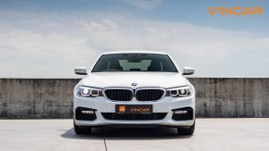 BMW 530i M Sport Saloon - Front Direct