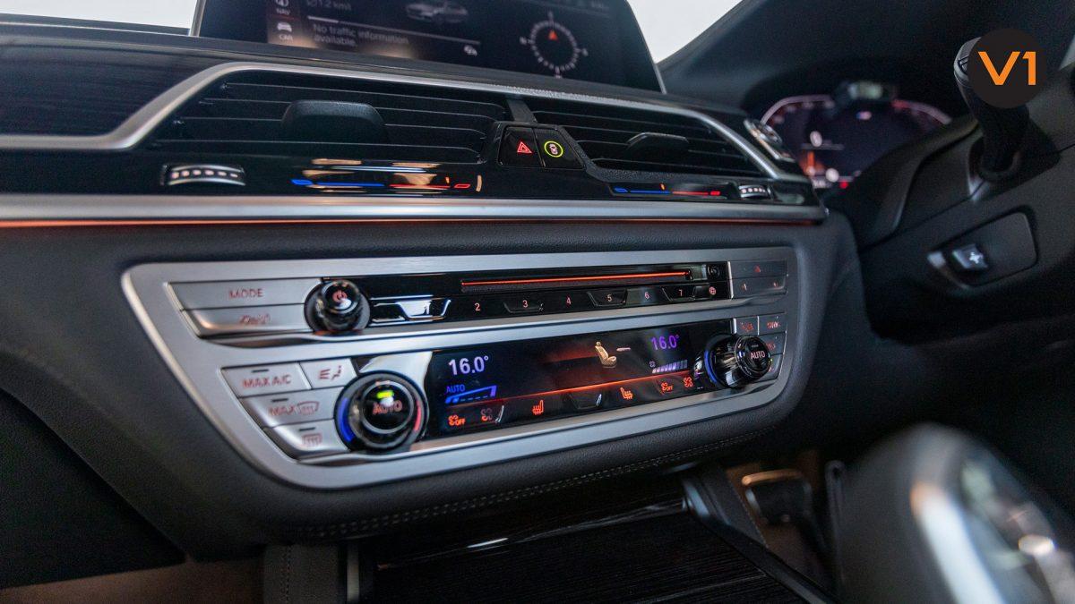 BMW 740LI M Sport Saloon - Front Entertainment System