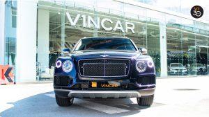 Bentley Bentayga V8 - Direct Front