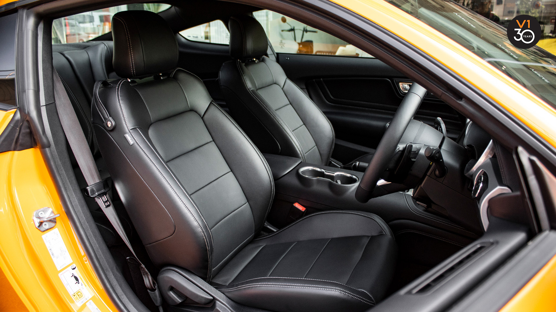 Ford Mustang 2.3 Ecoboost Fastback - Driver Seat