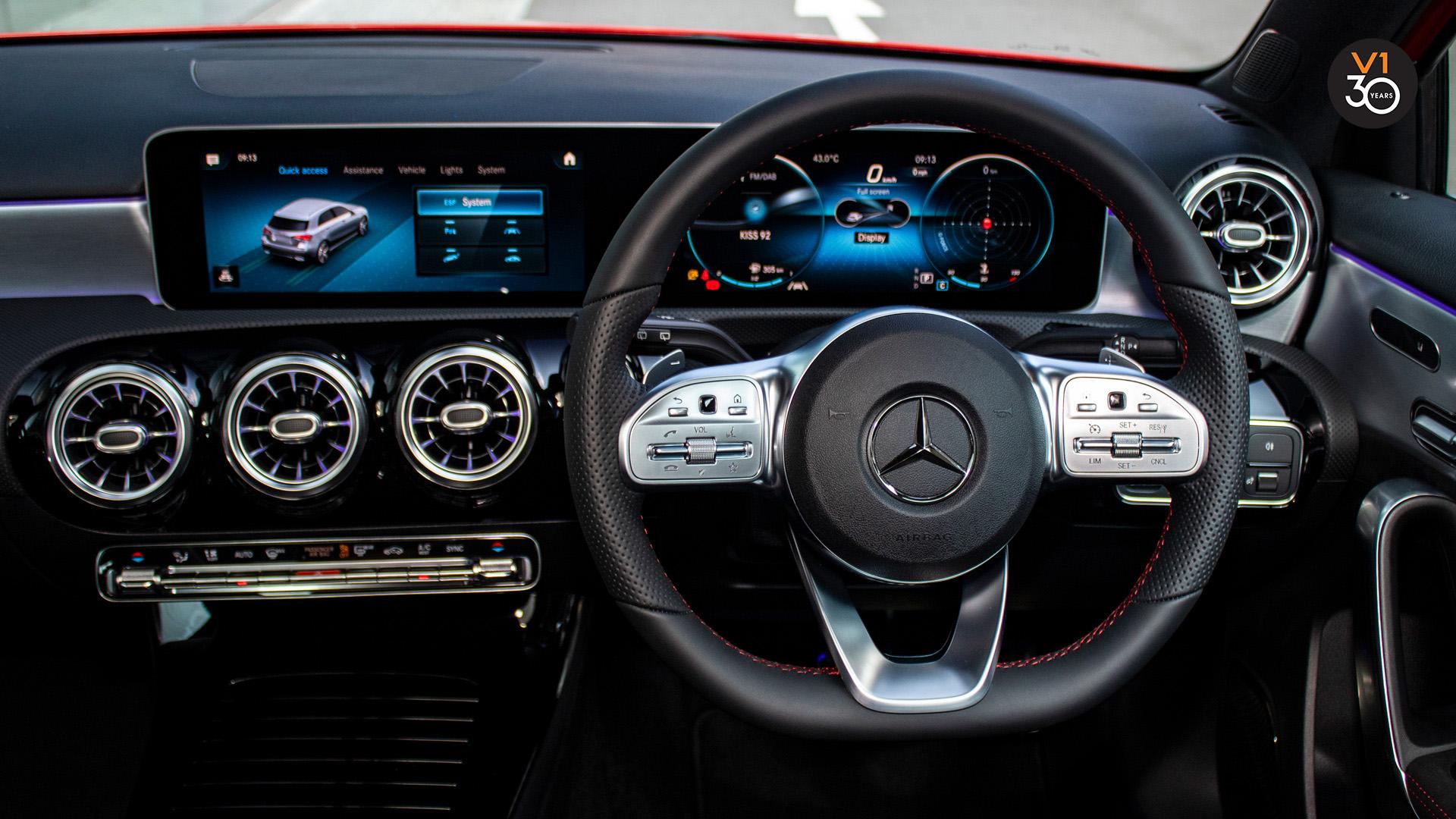 Mercedes A200 AMG Premium Plus - Infotainment System