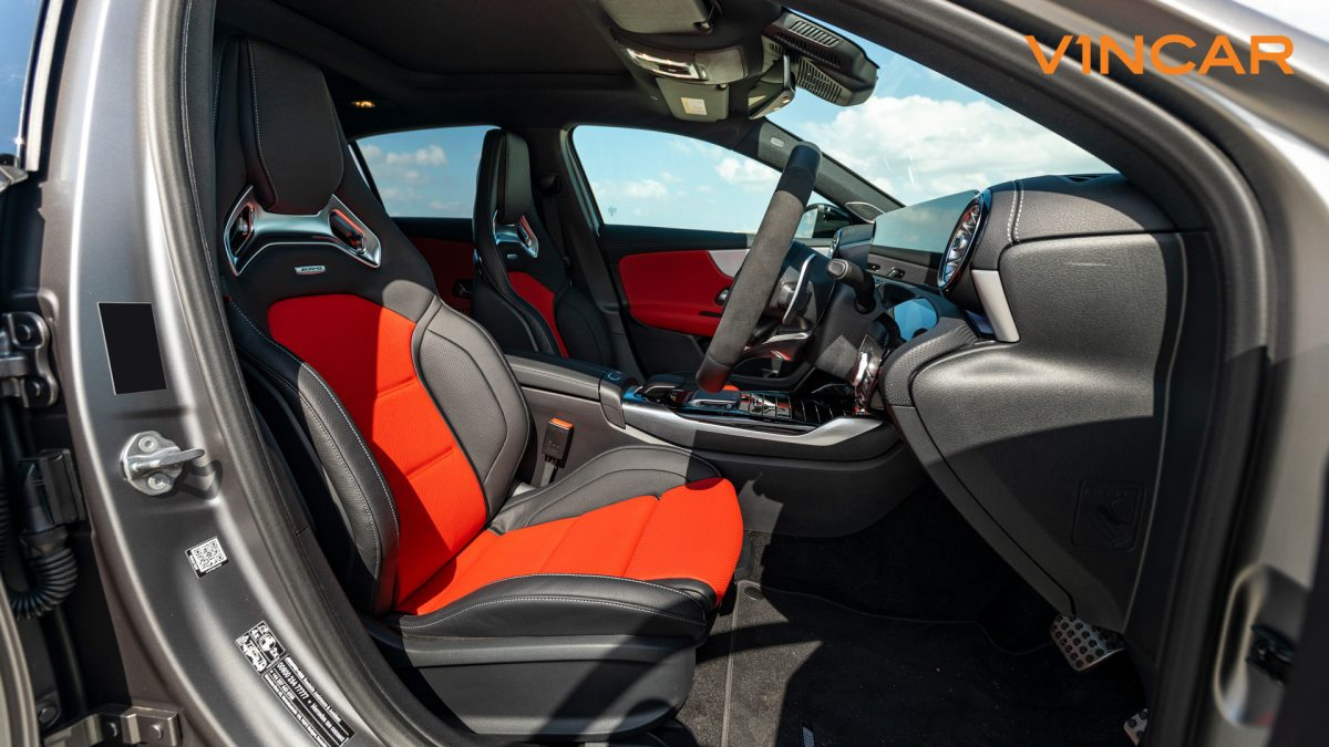 Mercedes A45 S 4MATIC+ Plus AMG - Front Seats