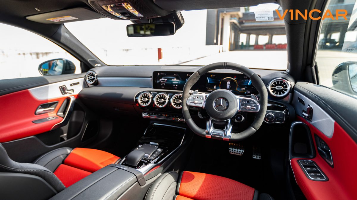 Mercedes A45 S 4MATIC+ Plus AMG - Steering Wheel