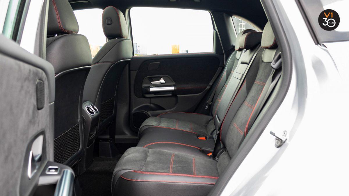 Mercedes B200 AMG Premium Plus - Backseat
