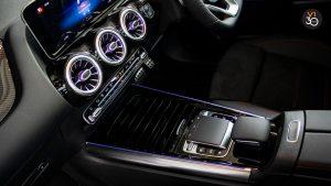 Mercedes B200 AMG Premium Plus - Center Console