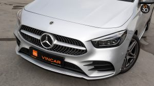 Mercedes B200 AMG Premium Plus - Front Central Grille