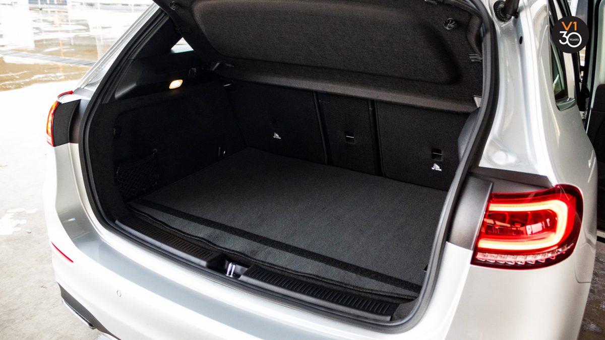 Mercedes B200 AMG Premium Plus - Trunk