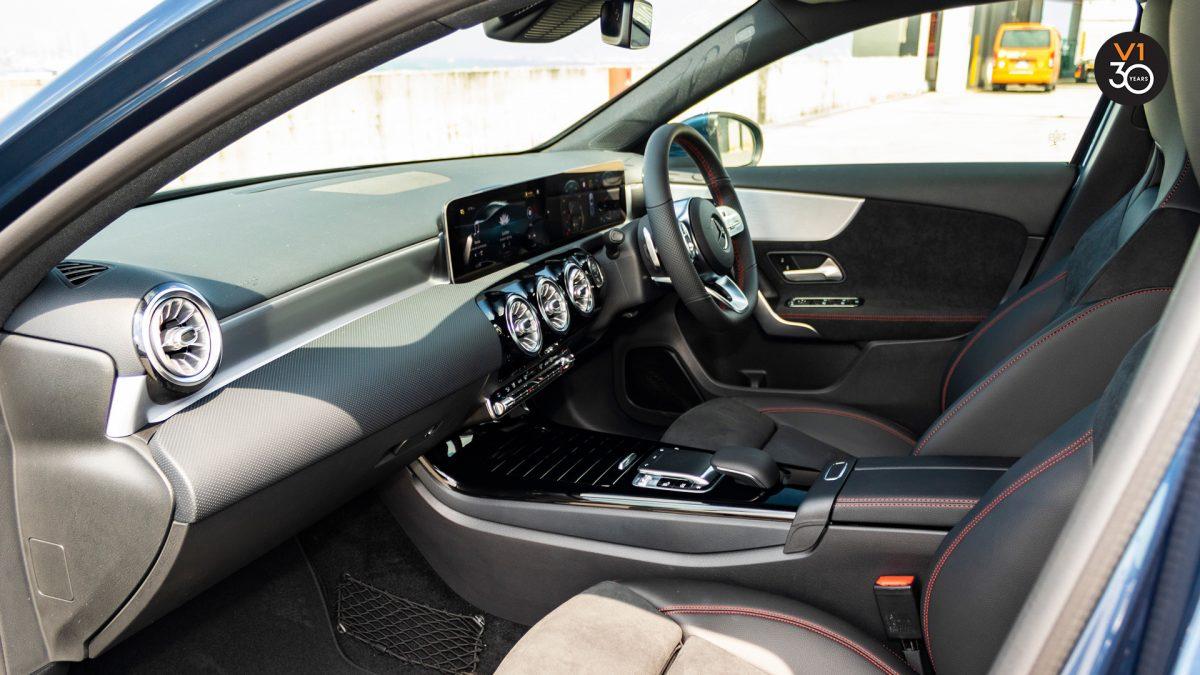 Mercedes-Benz A200 AMG Premium - Dashboard