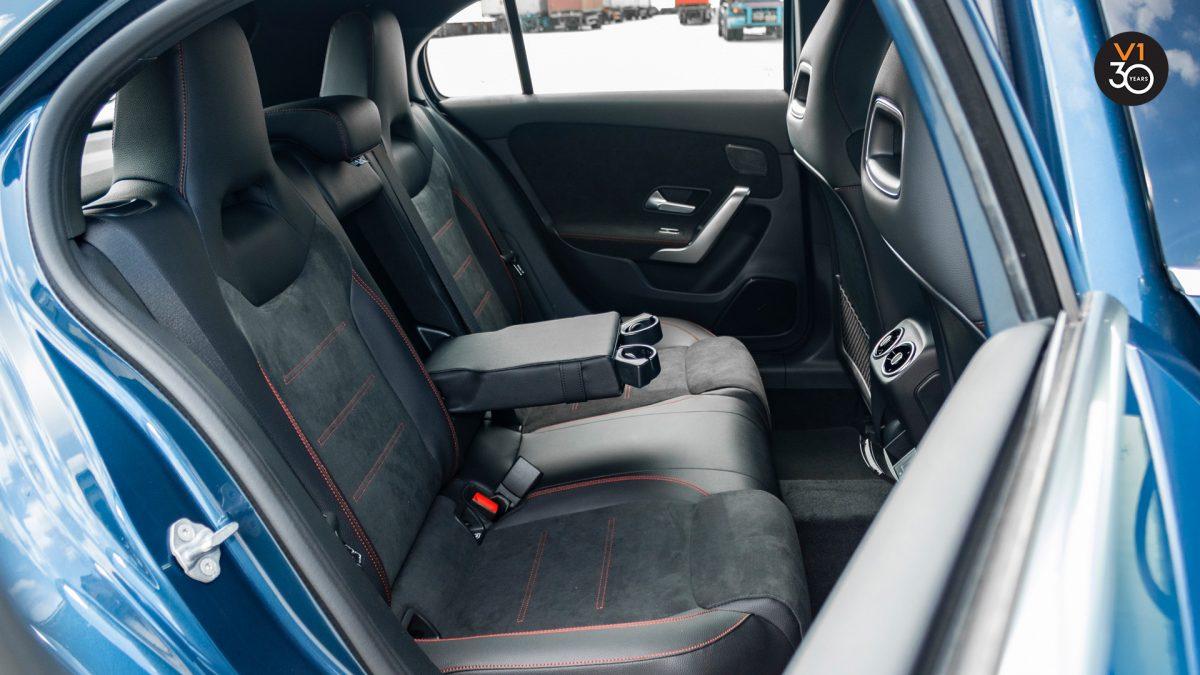 Mercedes-Benz A200 AMG Premium - Passenger Seat