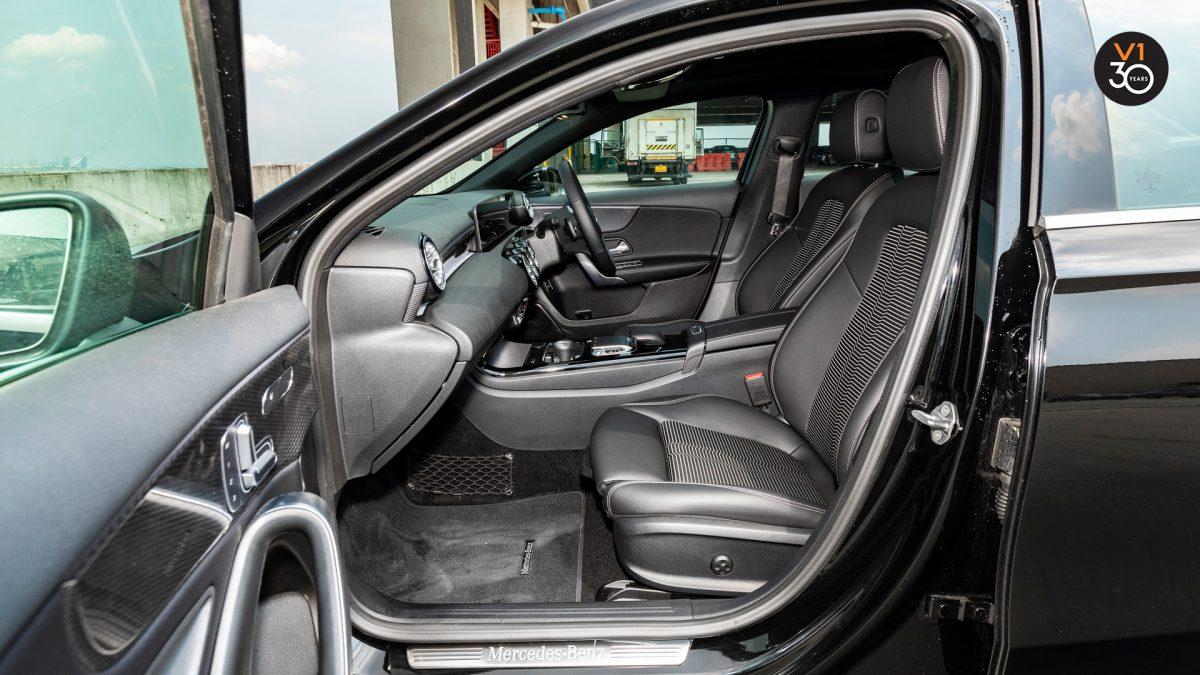 Mercedes-Benz A200 Saloon Sport Premium Plus - Front Seat