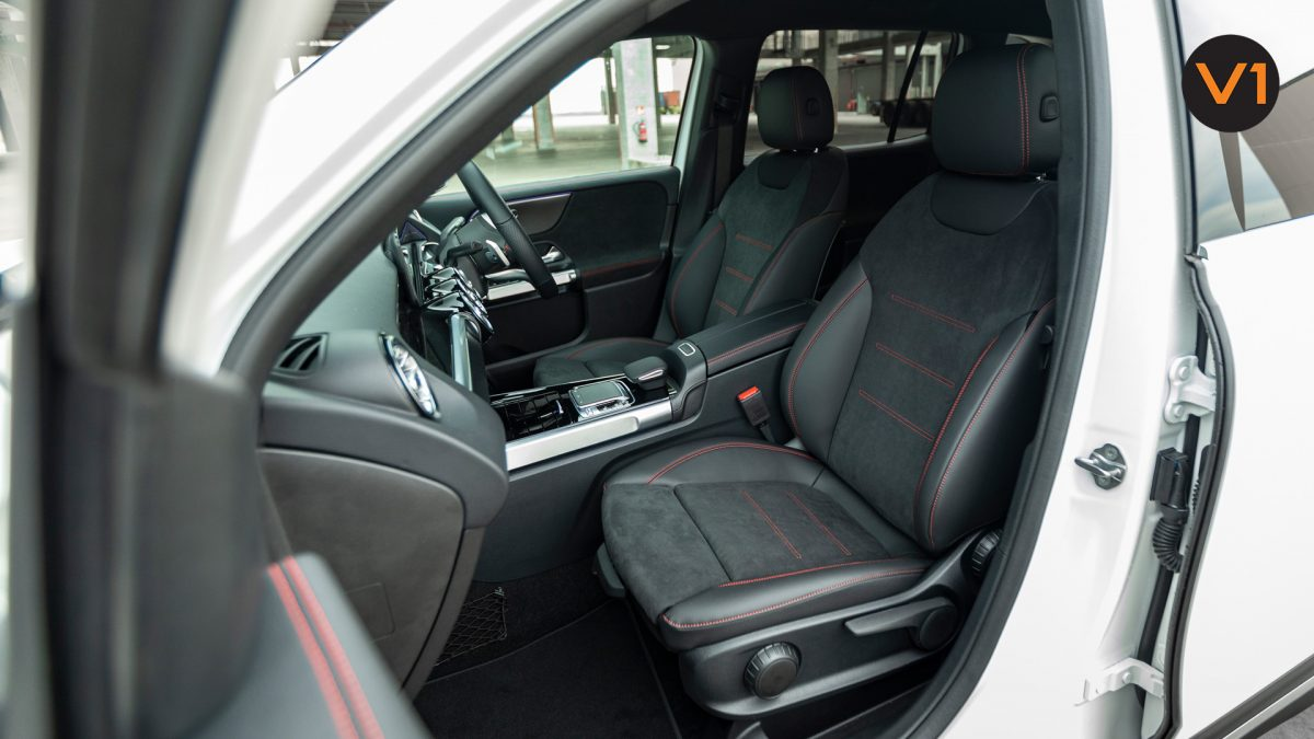 Mercedes-Benz GLB200 AMG Line Premium - Front Seat