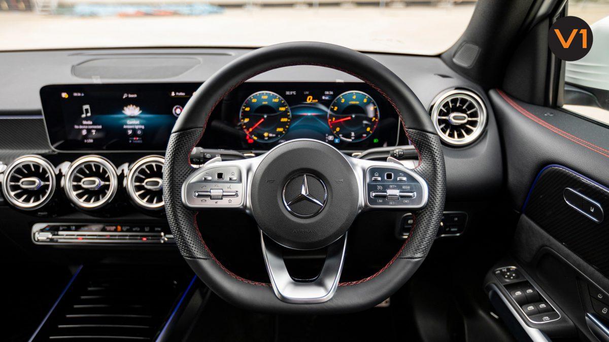Mercedes-Benz GLB200 AMG Line Premium - Steering Wheel