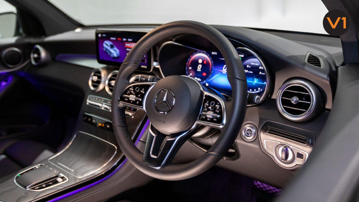 Mercedes-Benz GLC200 SUV - Steering Wheel 2