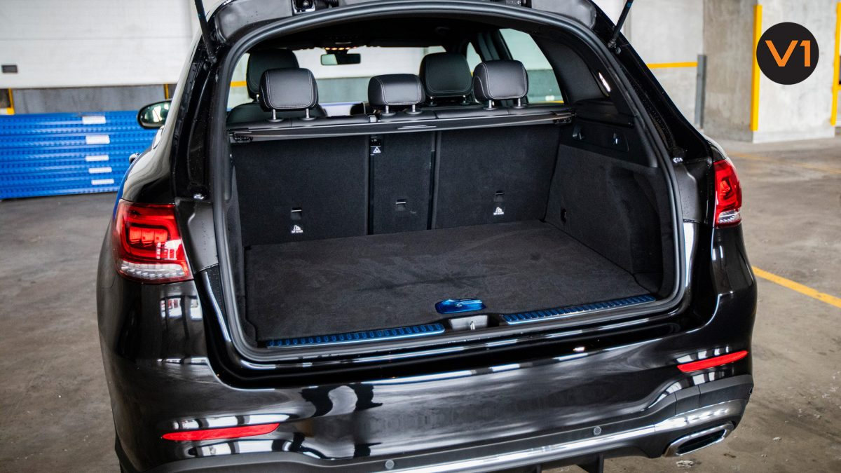 Mercedes-Benz GLC300 SUV 4MATIC AMG LINE - Rear Seat Trunk