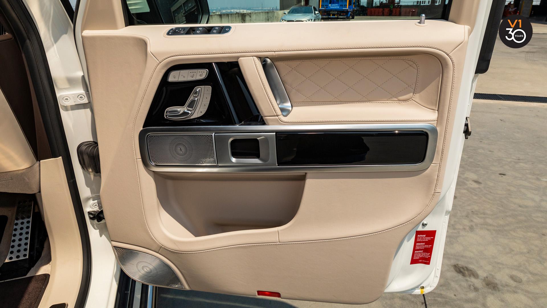 Mercedes G63 AMG - Front Door Interior