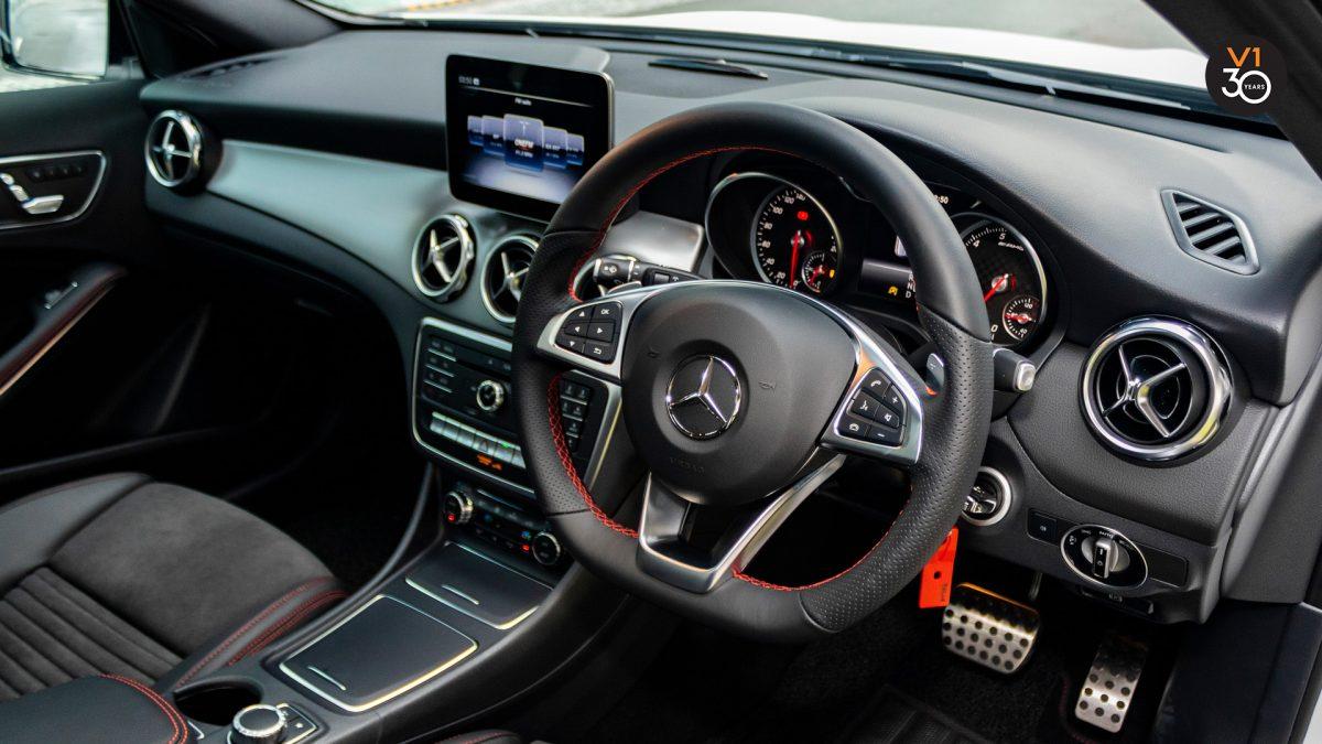 Mercedes GLA200 AMG Line - Interior Dash