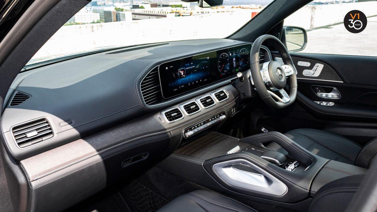 Mercedes GLE450 AMG 4Matic Premium Plus - Front Interior