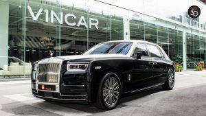 Rolls-Royce Phantom Extended Wheelbase - Front Angle