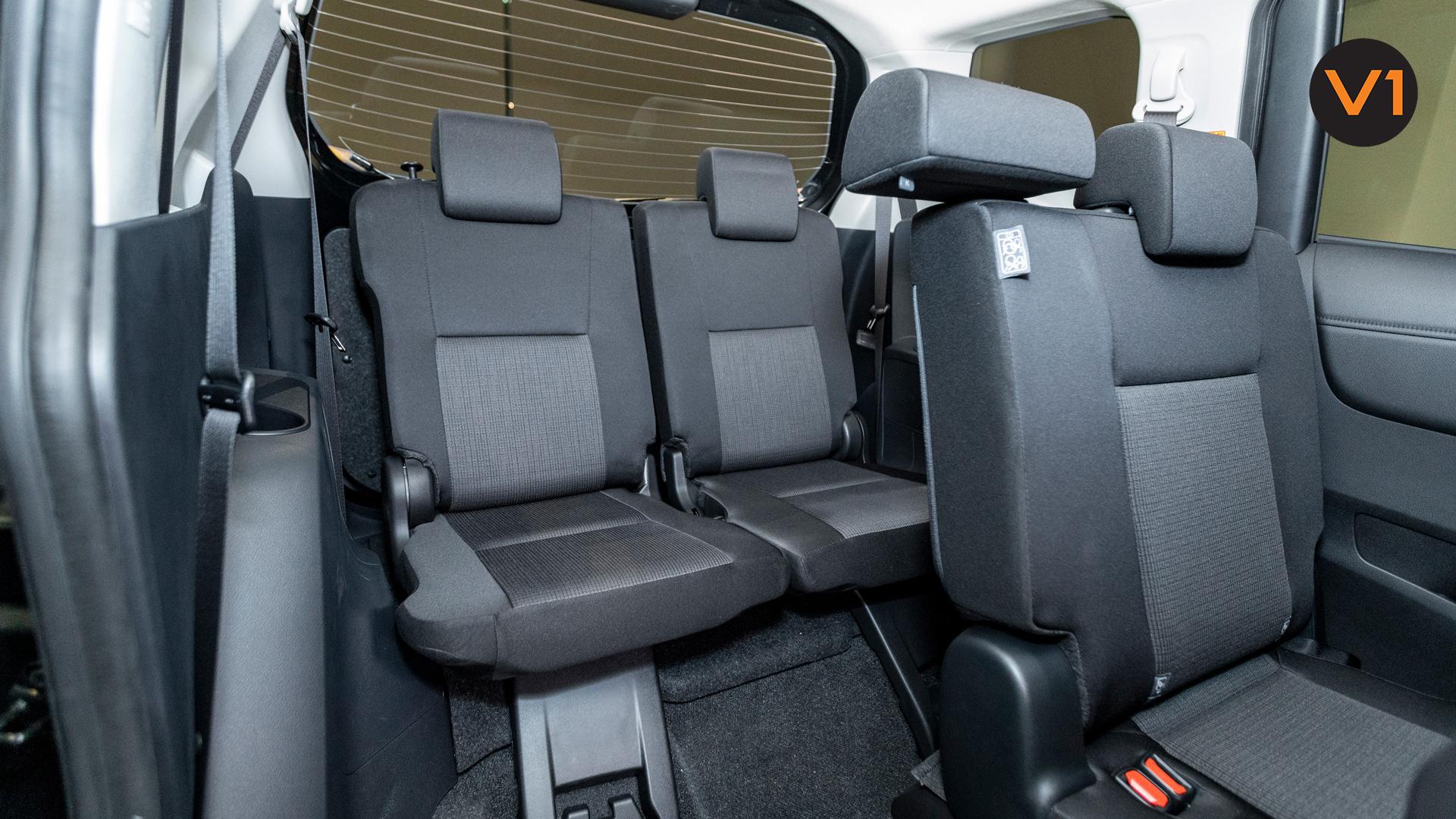 TOYOTA SIENTA 1.5G (NEW FACELIFT) LED - Rear Seat