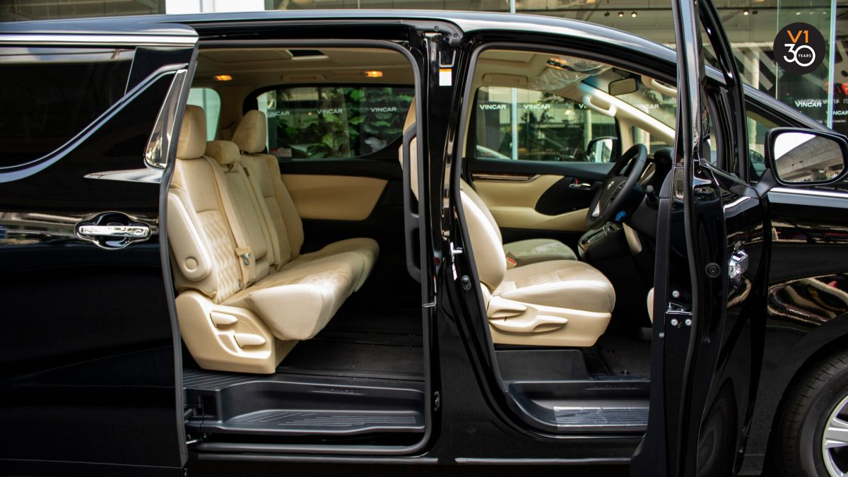 Toyota Alphard 2.5X (8 Seater) - Interior